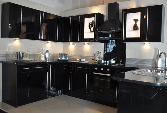 Black Glass New Kitchens 1